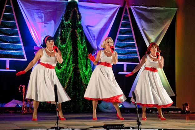 Doo Wop Dolls - Eumundi Christmas Carols